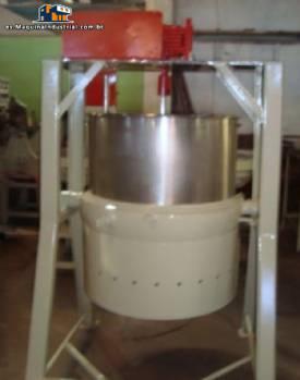 El digestor de gas arriba 220 litros