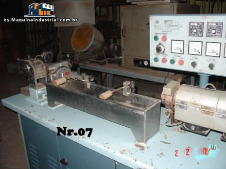 Extrusora de 25 mm para laboratorios marca Miotto